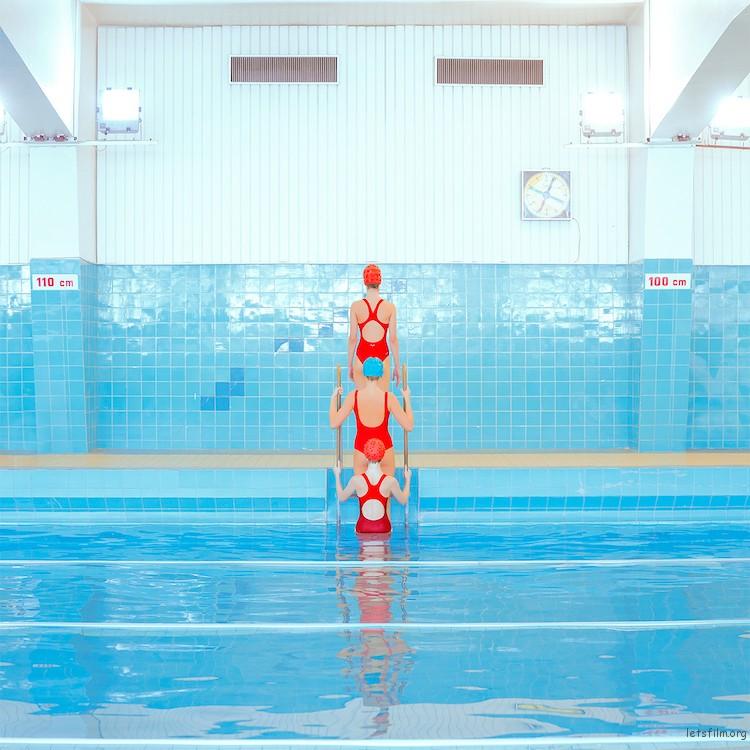 swimmers-maria-svarbova-3