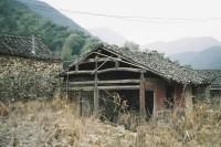 [15253] 那是我对乡村的最早记忆,拔步床、梳妆台,大朵的山茶花、清晨微蓝的天光。