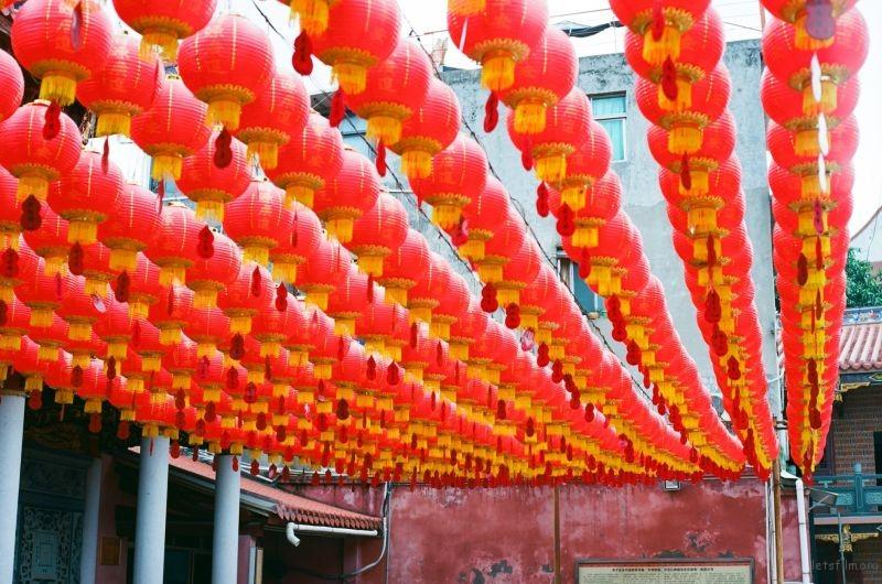 寺庙里的灯笼