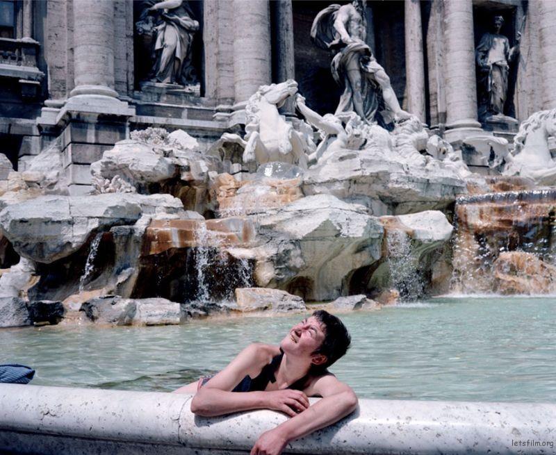 1980s-italy-rare-photos-la-dolce-vita-charles-traub-17-599c26ccde40e__880