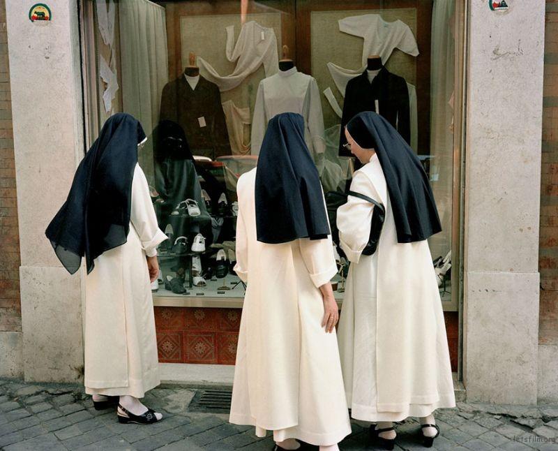1980s-italy-rare-photos-la-dolce-vita-charles-traub-44-599c2706f3f63__880