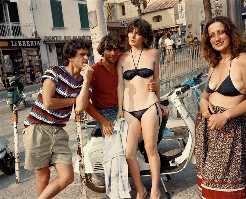1980s-italy-rare-photos-la-dolce-vita-charles-traub-62-599c27312d99d__880