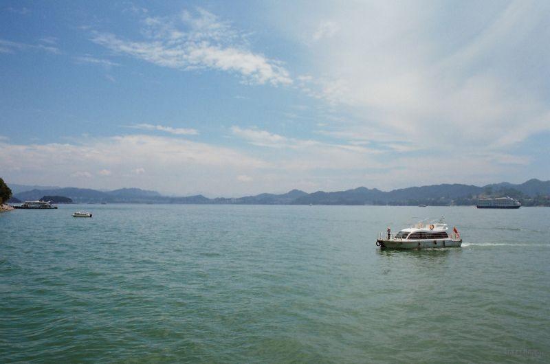 千岛湖和留白书店2