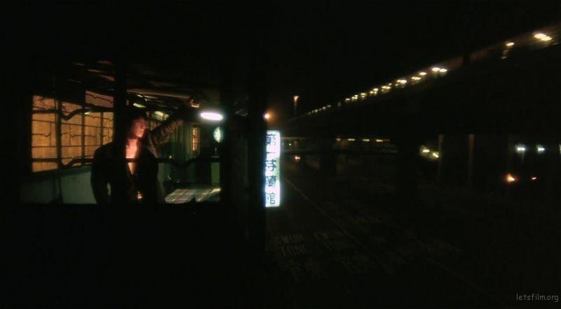 利用城市灯光为画面中的人物增加故事性,image via 堕落天使