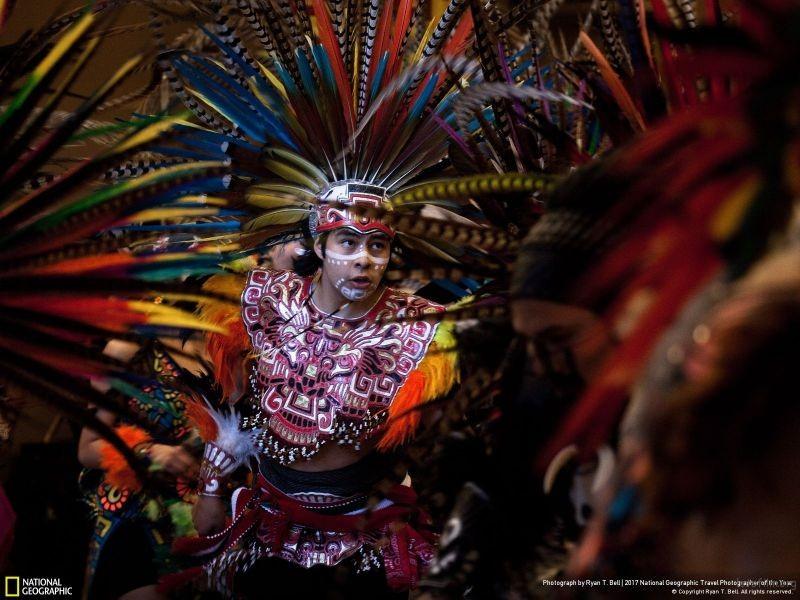 摄影师︰ Ryan T. Bell 作品名称:Aztec Dancer(美国)