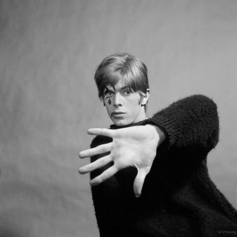 David-Bowie-The-Rock-Chameleon-Before-Being-Famous-59916edf1c226__880
