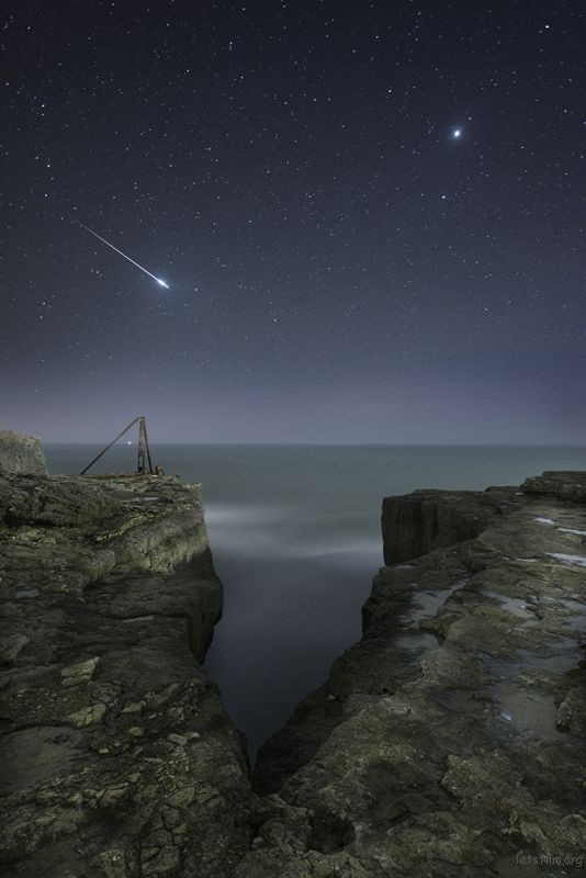 Shooting Star and Jupiter © Rob Bowes (UK)