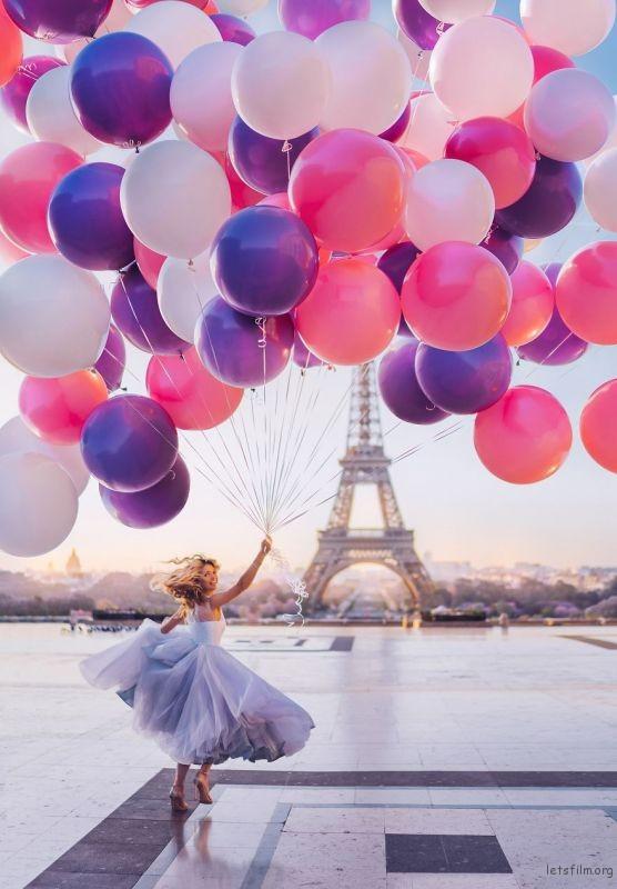 Paris, France, Tour Eiffel. Model: Vera Brezhneva