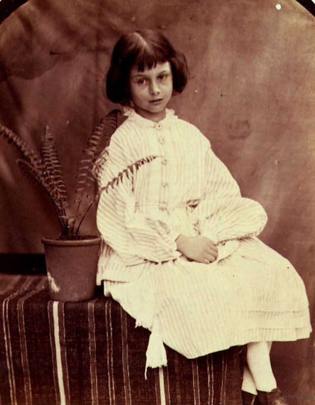 lewis-carroll-alice-liddell-photos-2