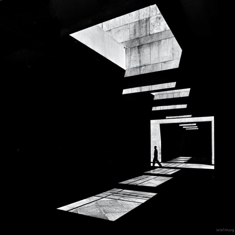 Photo by Serge Najjar