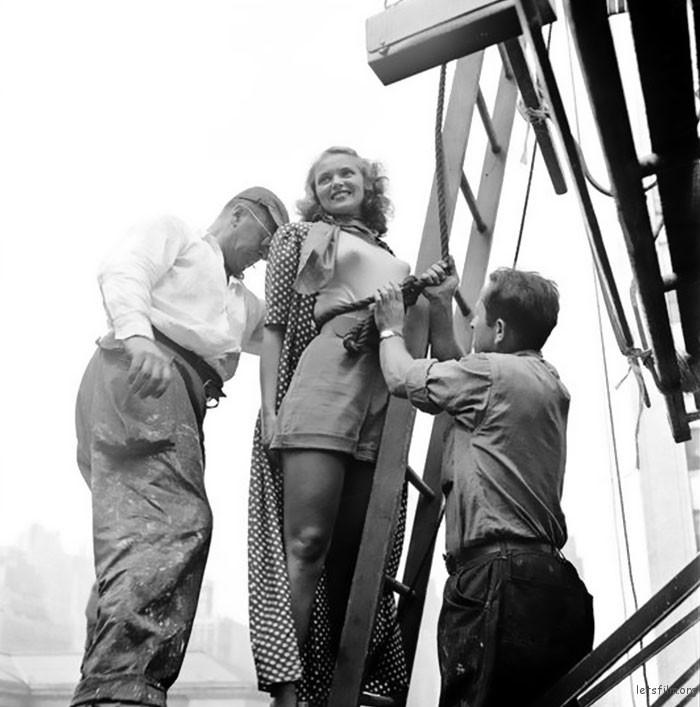 Vintage-Photographs-New-York-Street-Life-Stanley-Kubrick-105-59a948486f66e__700