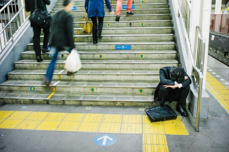 drunk-japanese-photography-lee-chapman-11-59c0c519d71ac__880