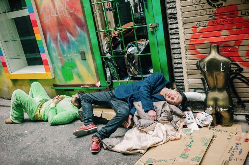 drunk-japanese-photography-lee-chapman-15-59c0c5220d29d__880
