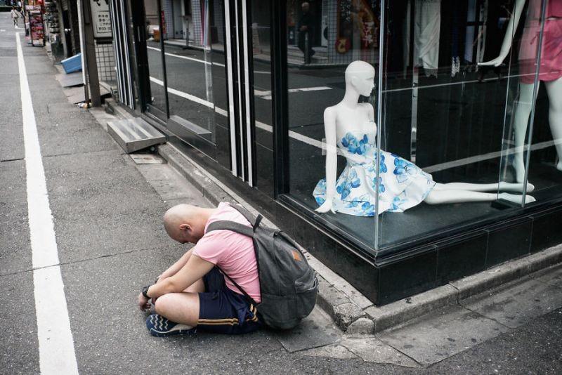 drunk-japanese-photography-lee-chapman-2-59c0c53dd19c1__880