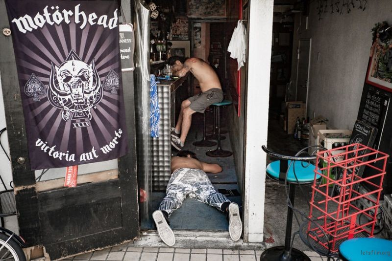 drunk-japanese-photography-lee-chapman-20-59c0c52deed9b__880