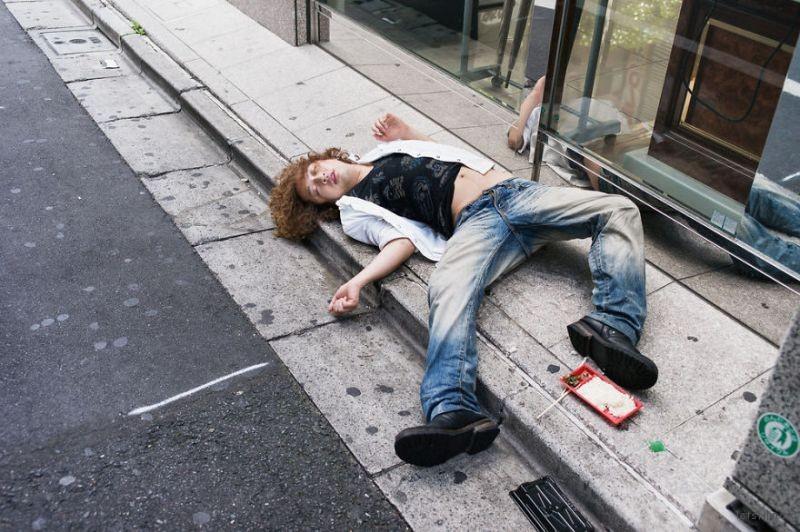 drunk-japanese-photography-lee-chapman-7-59c0c54cab17f__880