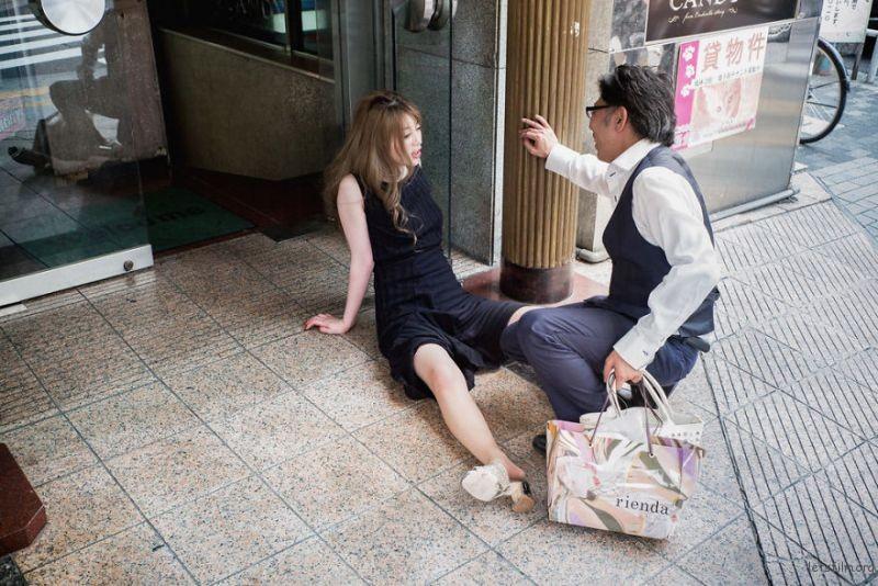 drunk-japanese-photography-lee-chapman-8-59c0c54ec3382__880
