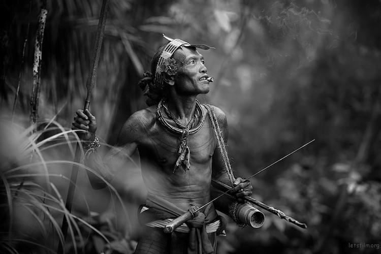 """Mentawai Aboriginal"" by Alexandrino Lei Airosa. 旅行组第一名(组照)"