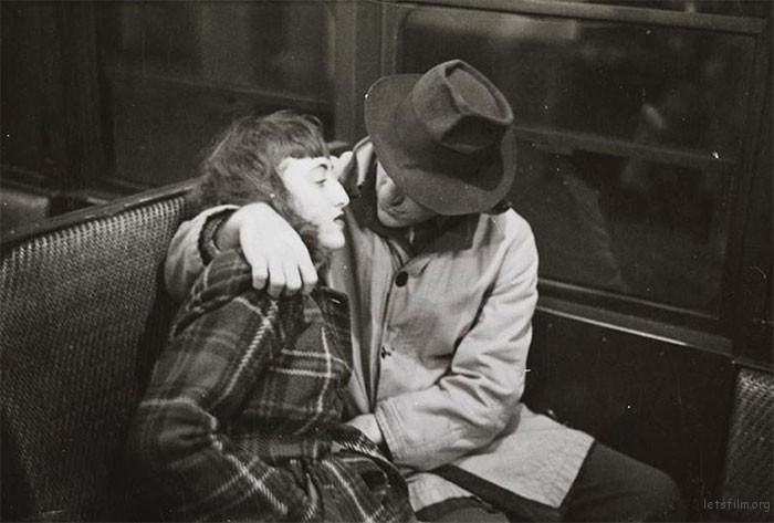vintage-photographs-new-york-street-life-stanley-kubrick-10-59a94fc7eb6b2__700