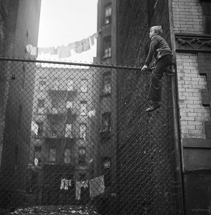 vintage-photographs-new-york-street-life-stanley-kubrick-11-59a91d00a9789__700