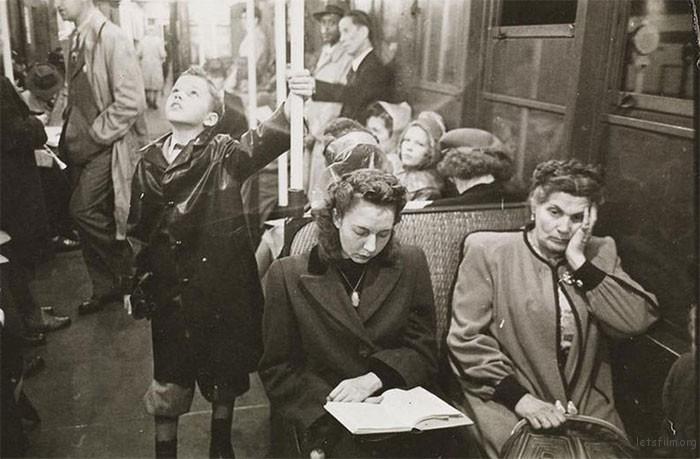 vintage-photographs-new-york-street-life-stanley-kubrick-14-59a95003b0730__700