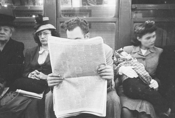 vintage-photographs-new-york-street-life-stanley-kubrick-21-59a91d15c38a7__700