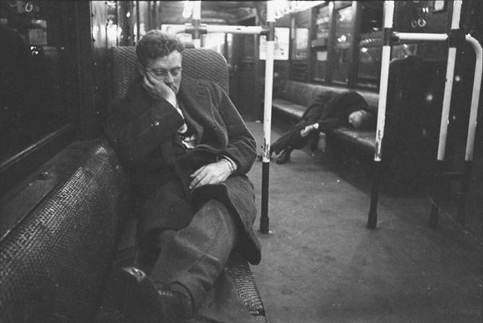 vintage-photographs-new-york-street-life-stanley-kubrick-49-59a91cf35bd18__700