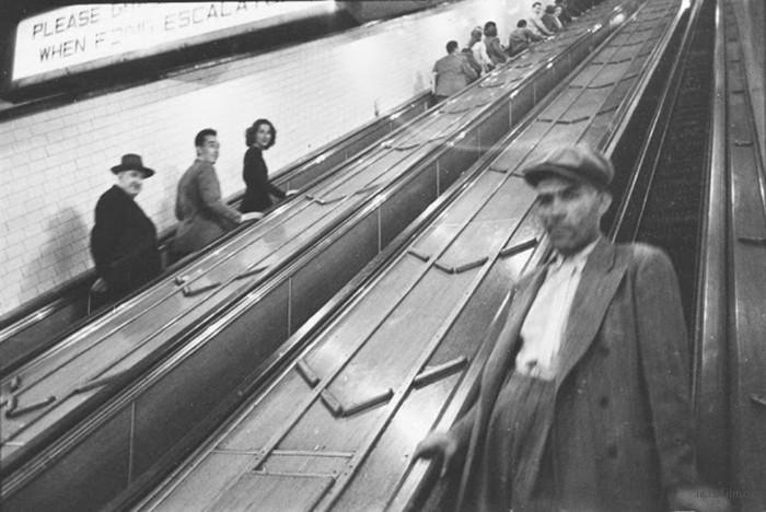 vintage-photographs-new-york-street-life-stanley-kubrick-59a91e1f65744__700
