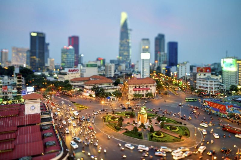 Photo by Miniaturizes Saigon