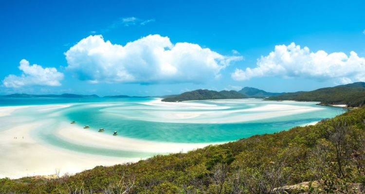 1499744704-hbz-best-beaches-whiteheaven-beach-gettyimages-597009567-1498678323-750x399