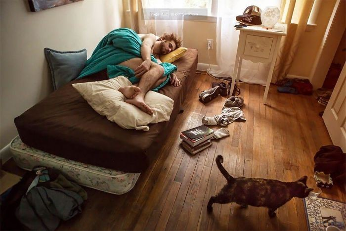 Photo-contest-shows-people-from-different-parts-of-the-USA-in-their-rooms-59d189773a20f__700