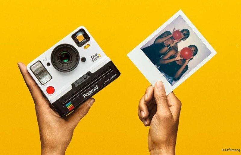 最新的 Polaroid OneStep 2 相机