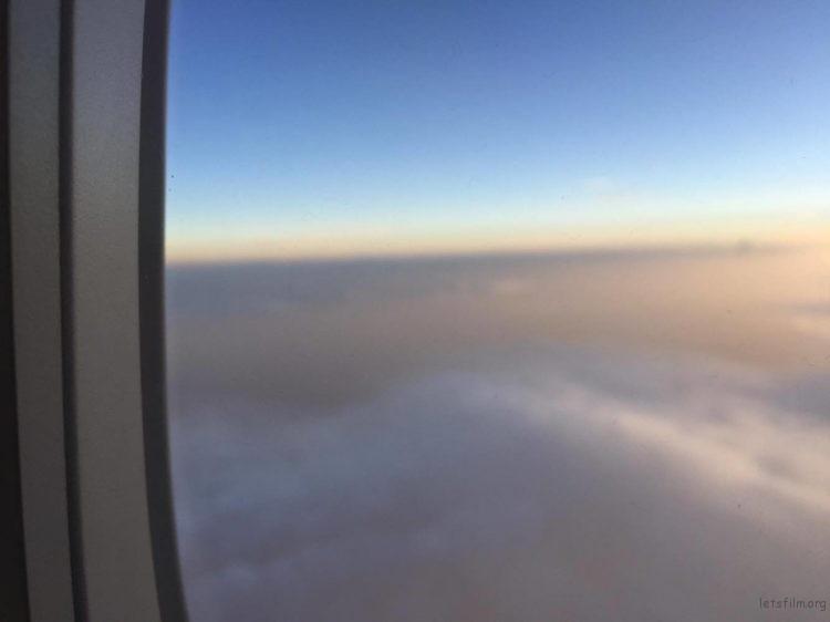 《印度上空》