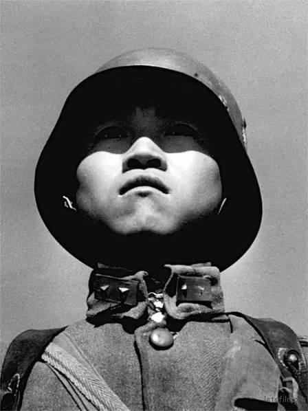 中国士兵肖像 by Robert Capa,1938