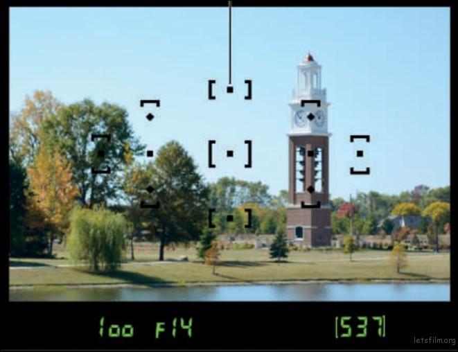 Nikon D3400 有 11 个对焦点