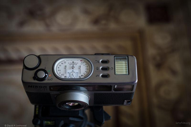 nikon-35ti-top-dials