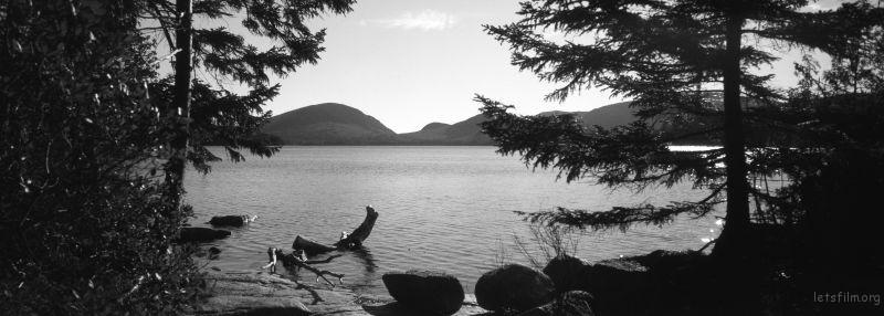 缅因Deer Island的湖泊