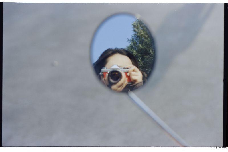 反光镜里对焦还是有点难度的