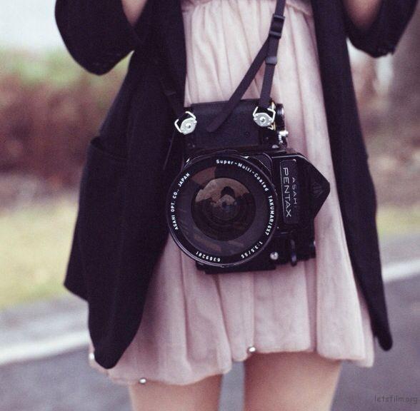 a5f515cce352136fef7eac20b901e13f--classic-camera-retro-camera
