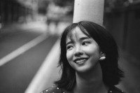 [19364] 街头迷惘少女