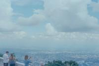 [19732] 天气很好呢,庙里走走吧。
