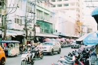 [20269] Walking on the road | HaiYai