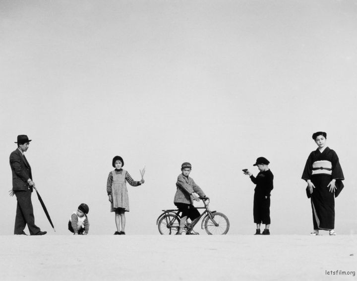 Photo by 植田正治