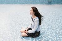 [21319] 泳池少女