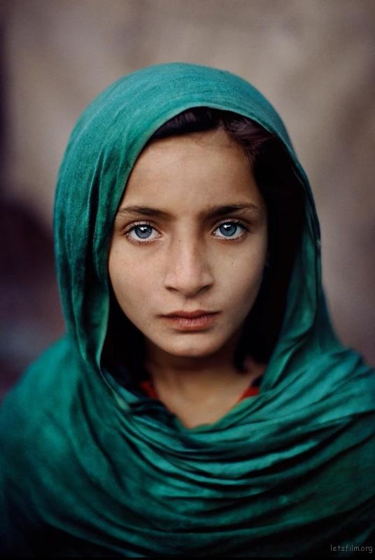 Photo by Steve McCurry with 85mm