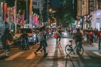 比起白天,我更喜欢拍夜晚的街头